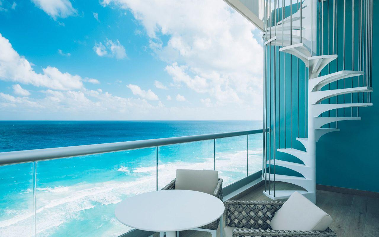 Junior Suite Ocean Front Corner Roof Top (7)