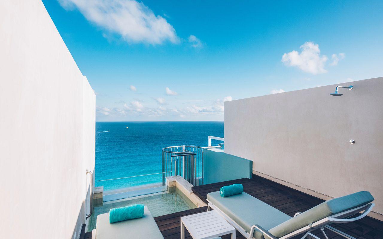 Junior Suite Roof Top Ocean Front (3)