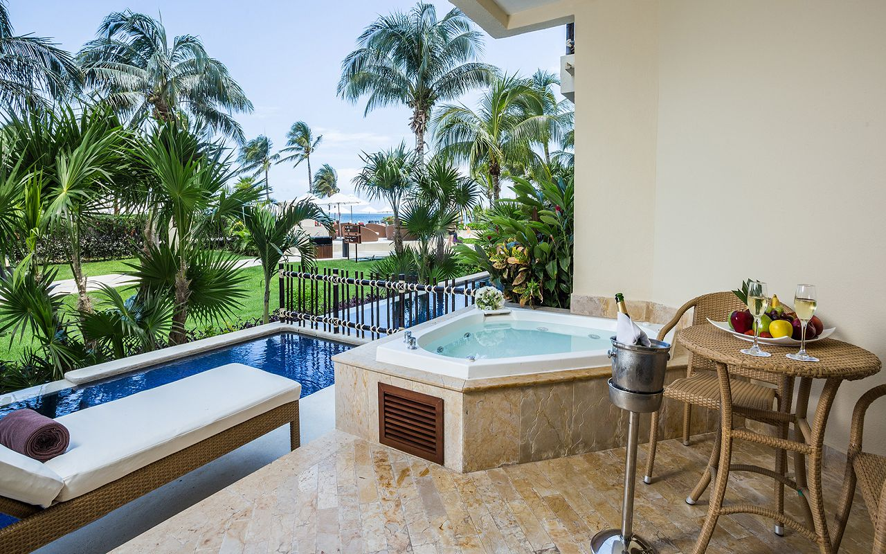 Preferred-Club-with-Plunge-Pool-Terrace
