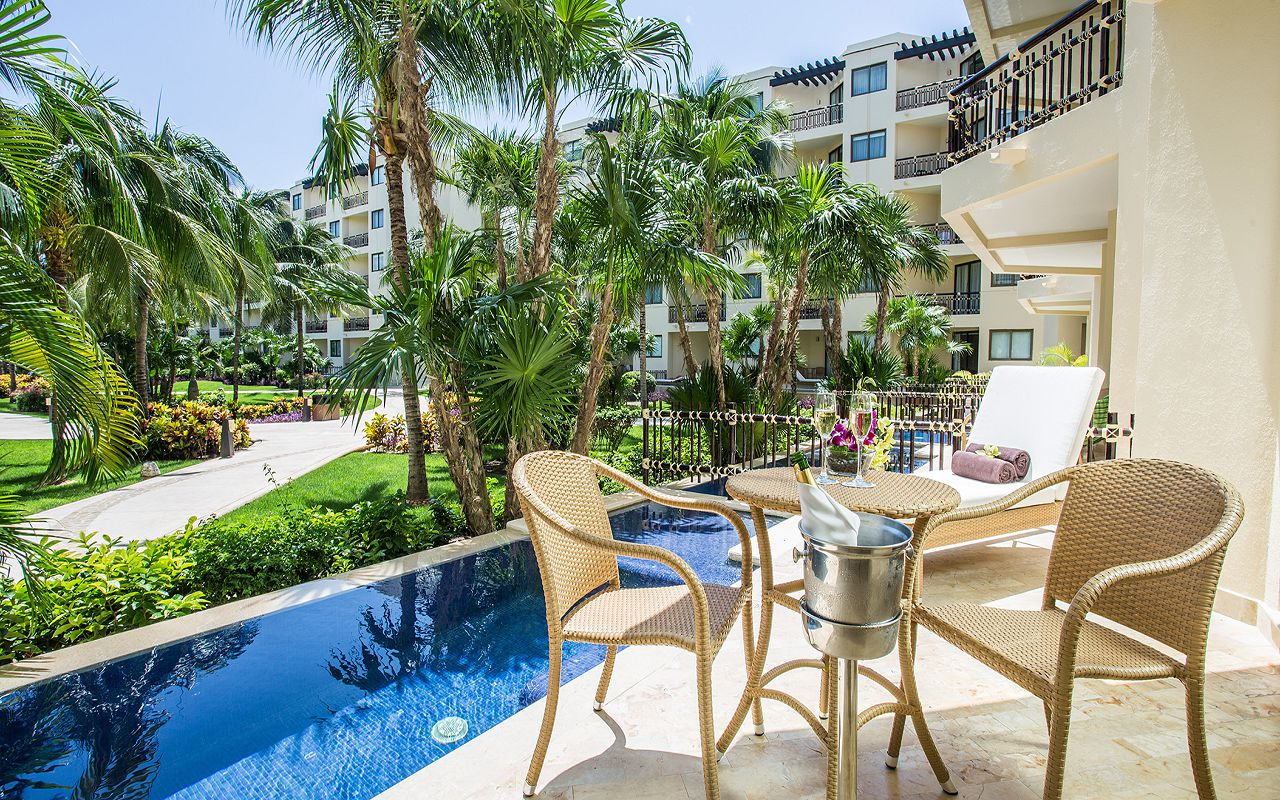 Premium-Deluxe-with-Plunge-Pool-Terrace