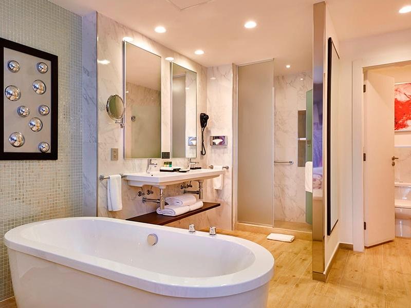 Riu_palace_room_suite_3