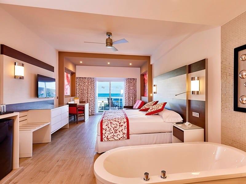 Riu_palace_room_suite_4