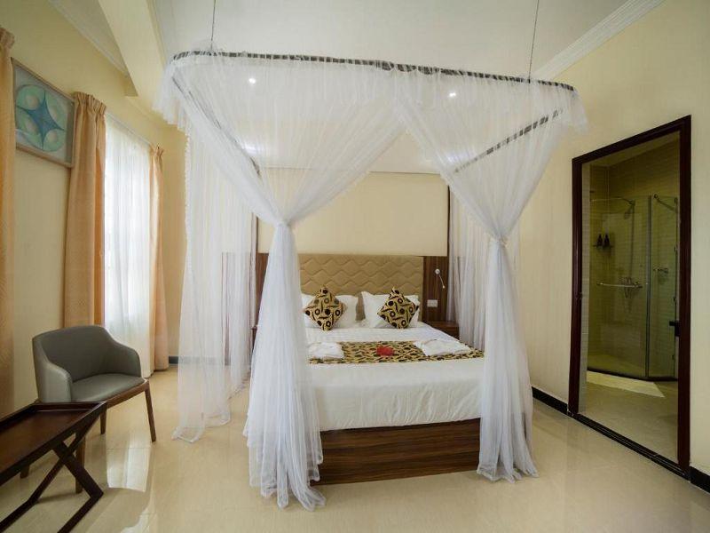 6Spice Palace Hotel (1)