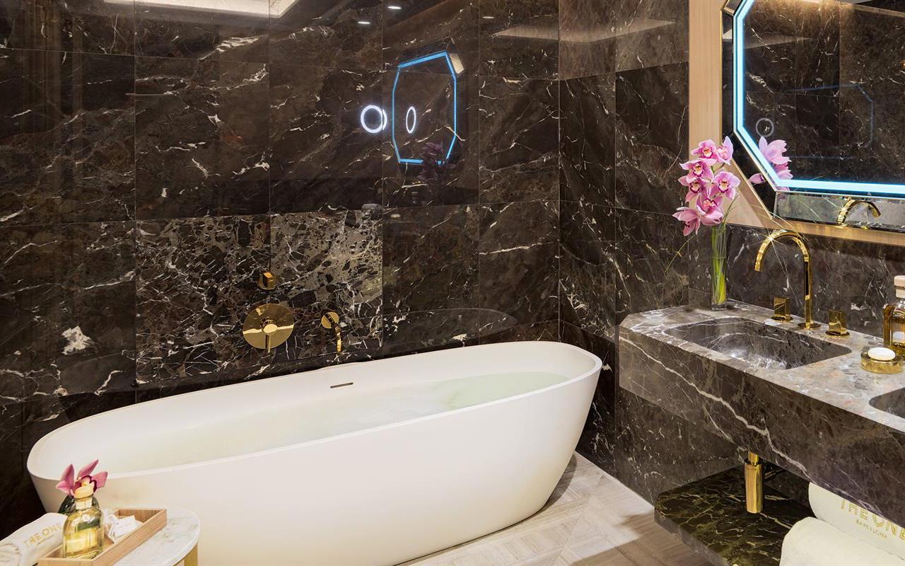 Baño-Junior-Suite-406