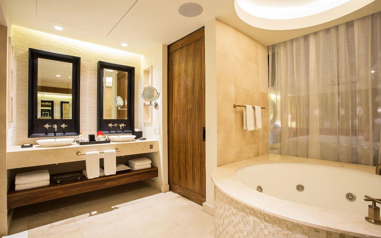 SEARM-All-Jr-St-PC-Jr-St-Bathrooms-AP