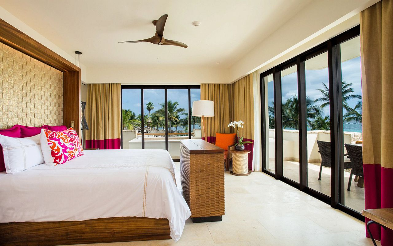 SEARM-Romance-Master-St-OV-Bedroom-AP