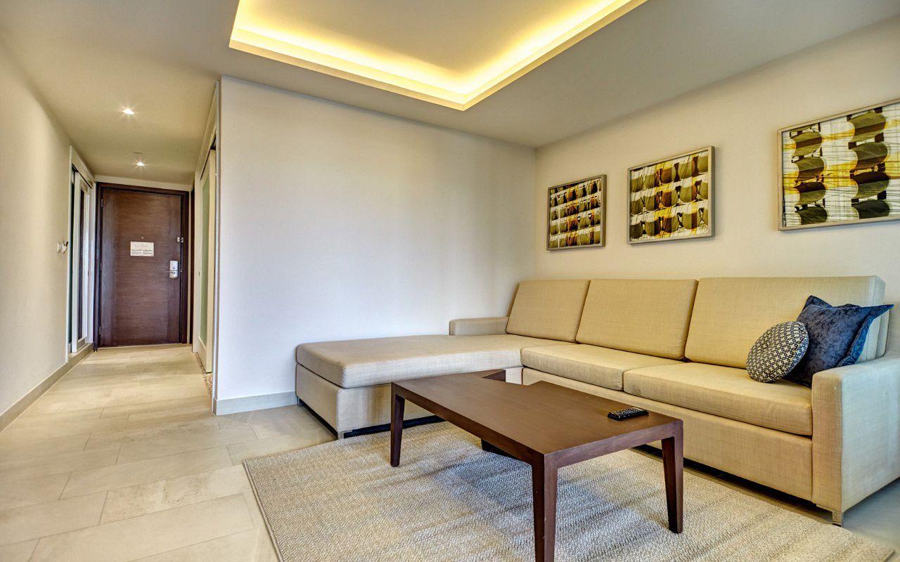 family_suite-rooftop-jaccuzzi_420201019190249057