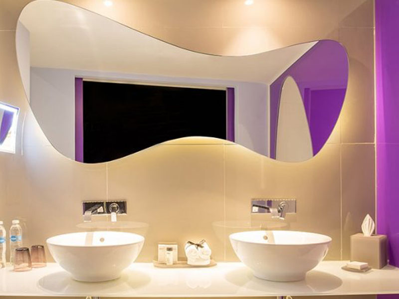 lush-tower-oceanfront-suite-bathroom-thumb-700x453