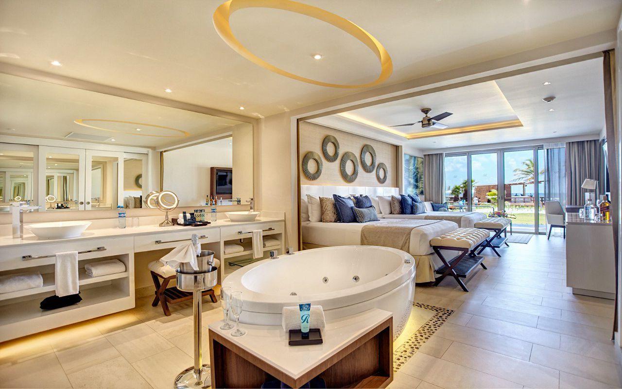 luxury_chairman_suite_swimout_620191204152513082