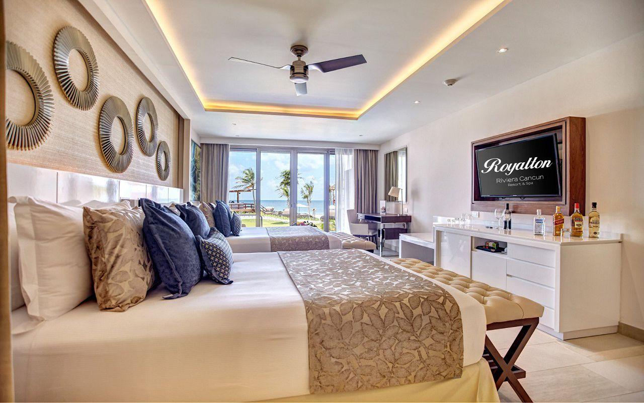 luxury_chairman_suite_swimout_7