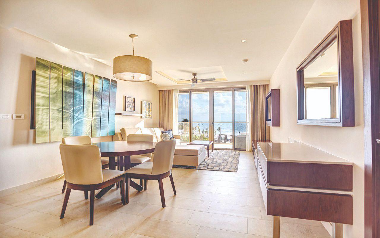 royalton_riviera_cancun_luxury_presidential_one_bedroom_suite_ocean_view_(2)