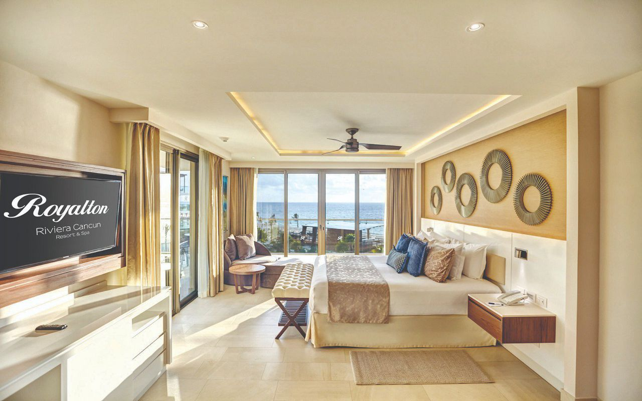 royalton_riviera_cancun_luxury_presidential_one_bedroom_suite_ocean_view_(3)