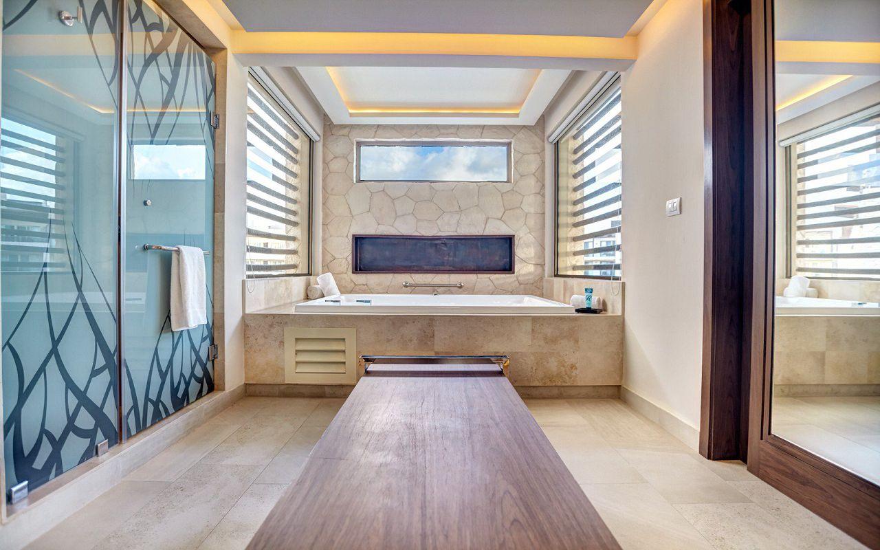royalton_riviera_cancun_luxury_presidential_one_bedroom_suite_ocean_view_(5)