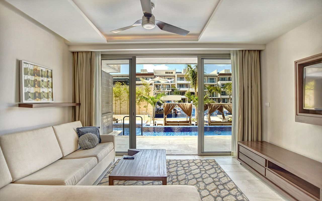 royalton_riviera_cancun_luxury_presidential_one_bedroom_suite_swim_out__(2)