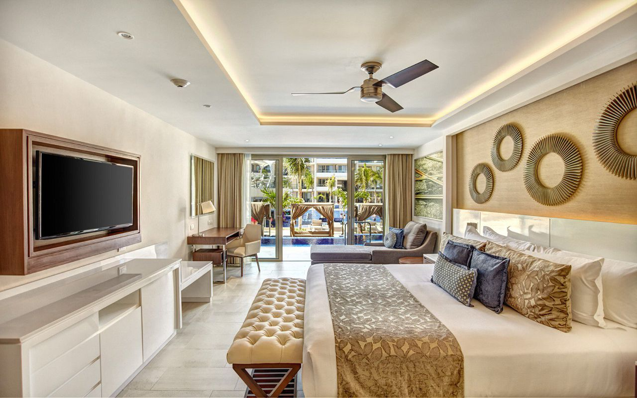 royalton_riviera_cancun_luxury_presidential_one_bedroom_suite_swim_out__(4)