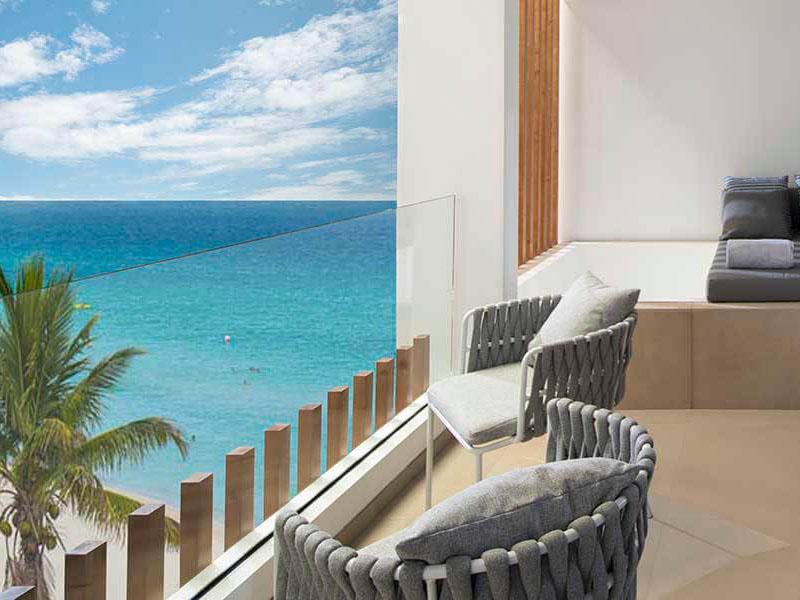terraza-Elegance-Club-Ocean-Front-majestic-resorts-costa-mujeres